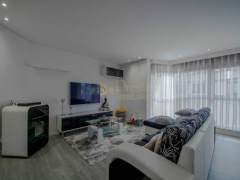 Appartement en duplex rénové de 4 chambres à Guimarães