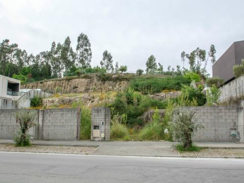 Lote de terreno com projeto aprovado em Guimarães