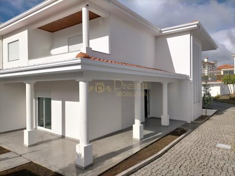Maison de 3 chambres à Santiago de Candoso