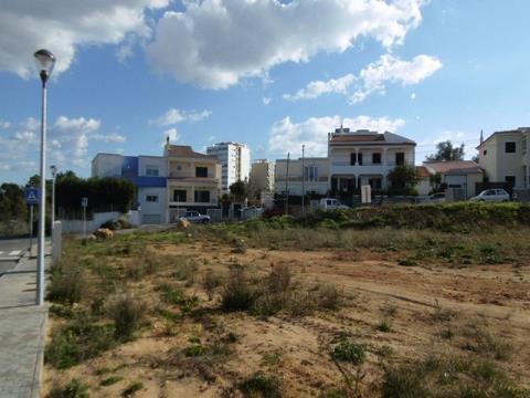 Lote de Terreno - Moradia Isolada T4 - Piscina - Alto Alfarrobal - Portimão - Algarve