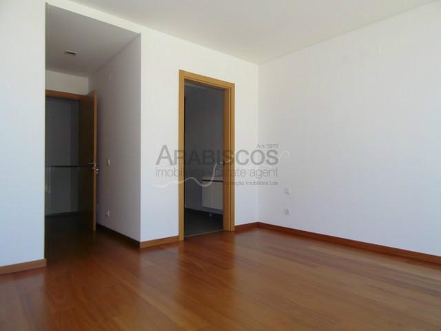 T3 Triplex Apartment - Swimming Pool - Garden - Vale Lagar Portimão