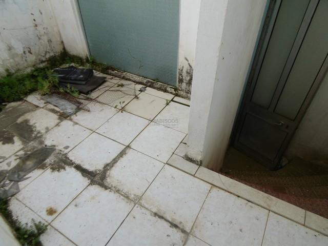 Moradia T2 - Restaurar - Centro Portimão