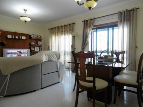 Appartamento T3 - Garage - Lagoa, Centro