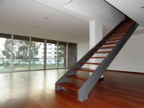 Appartamento duplex con 3 camere da letto - Ottime aree e finiture - Vale Lagar
