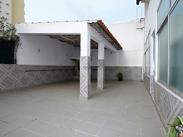 Moradia com 2 Apartamentos - T1 e T2 Duplex - Portimão - Pedra Mourinha