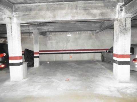 Garagenplatz - Flussuferbereich - Portimão