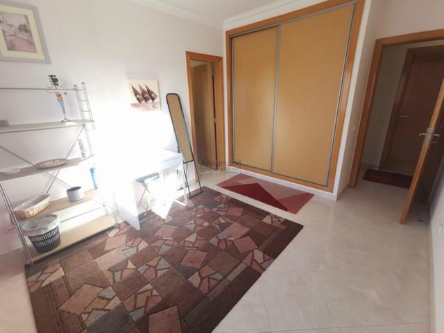 Apartamento T3 - Terraço - Garagem - Exelentes Áreas - 3 Bicos