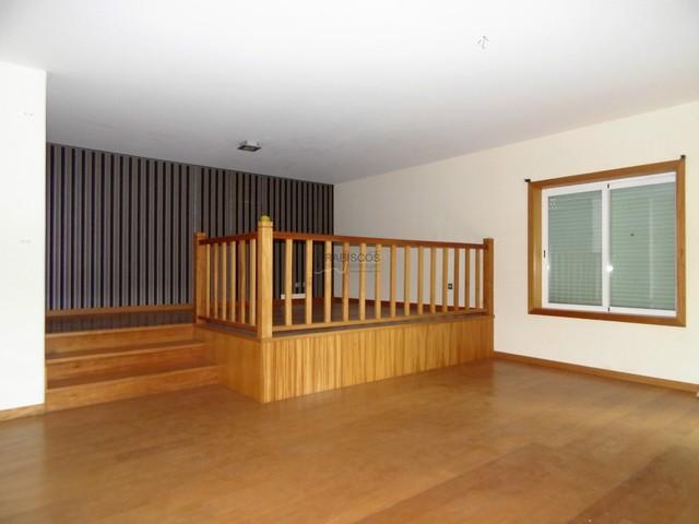 Imóvel Banco - Apartamento T3 - Terraço - Barbecue - Calvário