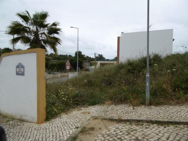 Lote de terreno para construção de moradia isolada - Lagoa - Estômbar