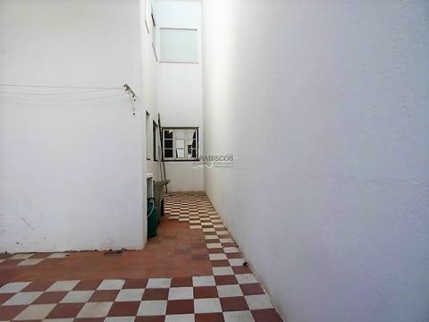 Andar Moradia T4 -  R/Chão  -  Zona Ribeirinda de Portimão - Portimão