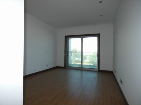 Apartamento T3 - Condominio Fechado - Portimão