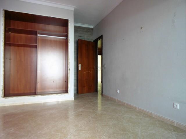 Apartamento T2 - Lareira - Cozinha com Despensa - Varandas - Mexilhoeira da Carregação
