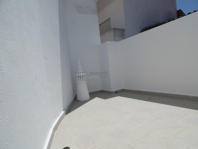 Moradia T1 remodelada centro de Lagoa