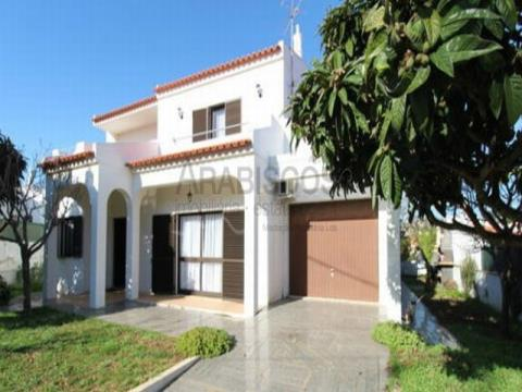 4 bedroom villa - Jardins - Detached - For sale Portimão