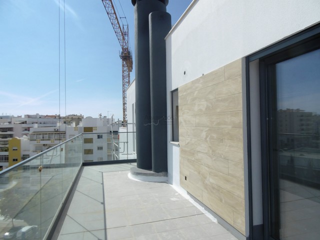 T2 Cobertura - Novo - Construção - Garagem - Elevador