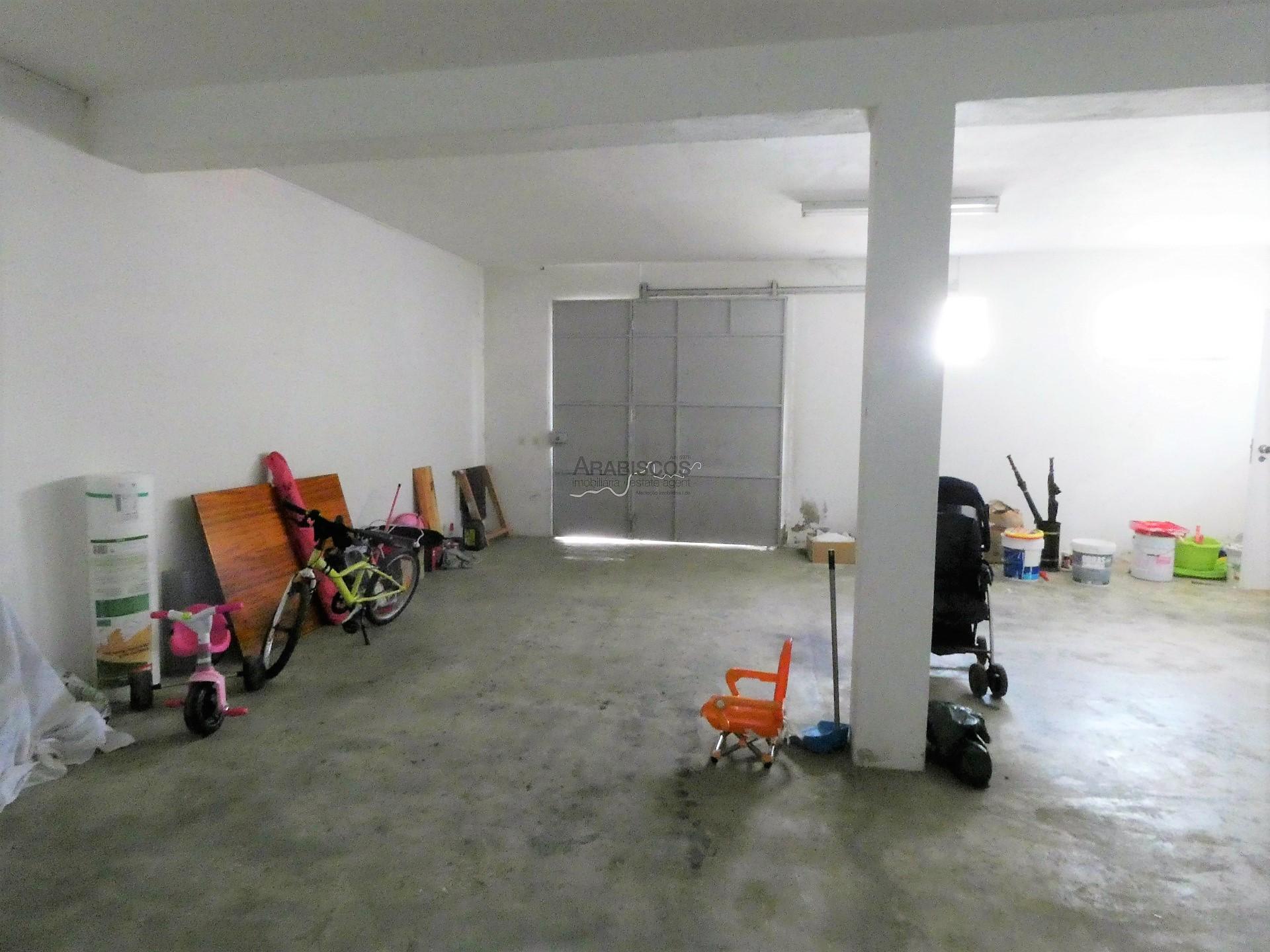 Moradia Geminada T3 - Garagem - Quintal - Boavista - Portimão