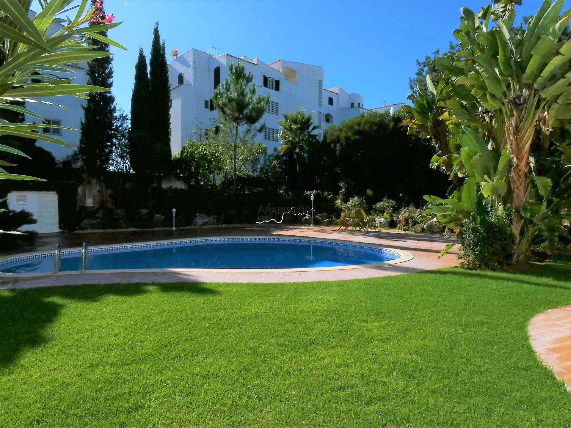Apartamento T4 - Garagem - Piscina - Jardins - Alto Golf - Portimão