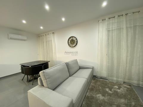 Apartamento T2 - Remodelado - Ar Condicionado - Centro