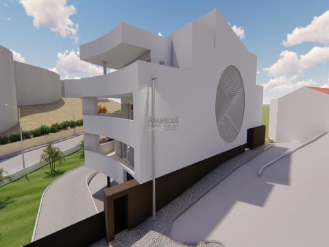 Apartamento T2 - Varanda com 54 m2 - Ar Condicionado - 2 Lugares Estacionamento - Cerro das Mós