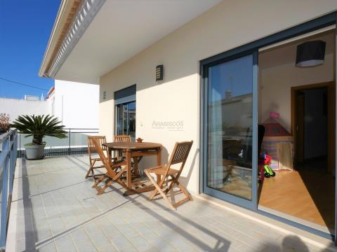Casa adosada - T4 - 3 Suites - Garaje para 4 coches