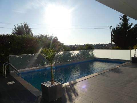 Contemporary 4 Bedroom House - Pool - Garage - Garden - Bemposta - Vale Freire