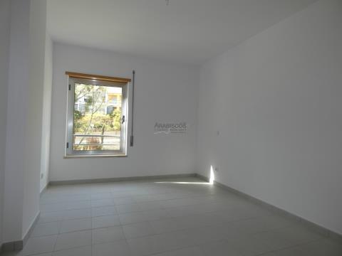 Apartamento T3 - Novo - Lugar de Garagem - Encosta da Marina