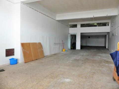 Loja - Montra - Visibilidade - Zona Ribeirinha - Portimão - Algarve