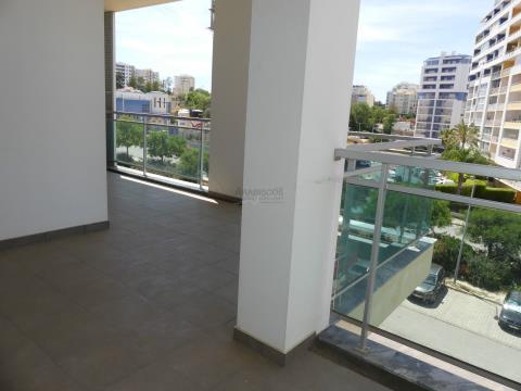 T2 - Varandas - 2 Lugares de Garagem - Amparo - Portimão