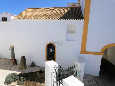 Moradia T3 - Terraço - Garagem - Lagoa Centro - Algarve