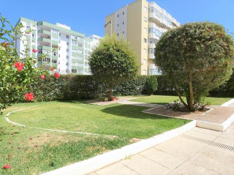 Excelente Apartamento T2 - Condominio Fechado - Espaçoso - Lugar de Garagem - Portimão - Algarve