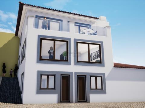 Moradias para Reabilitar - Possível ampliação - Centro de Ferragudo - Algarve