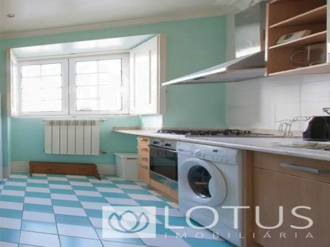 3 Bedroom Duplex near Lisbon Cathedral
