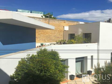 3 Bedroom Duplex near the Se Cathedral, Lisbon