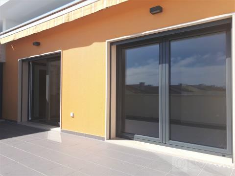 Montijo: Brand new apartment with box for one car, for sale!
