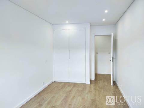 For Sale T3 in Loures