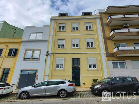 Ajuda: Renovated 1 Bedroom Apartment with River View
