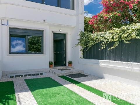 Alvalade: Brand new Villa with terrace for sale