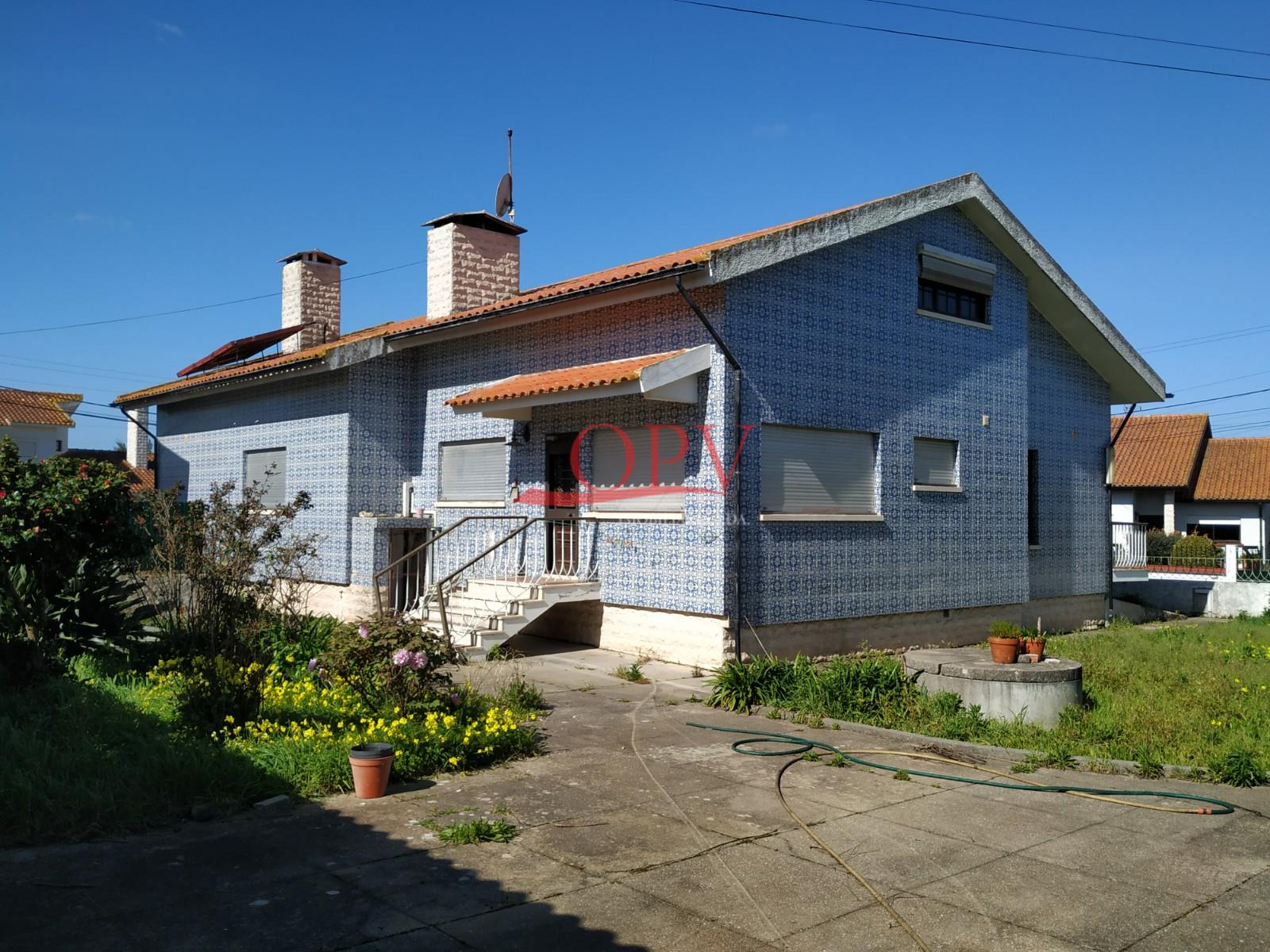 Detached house to restore T4