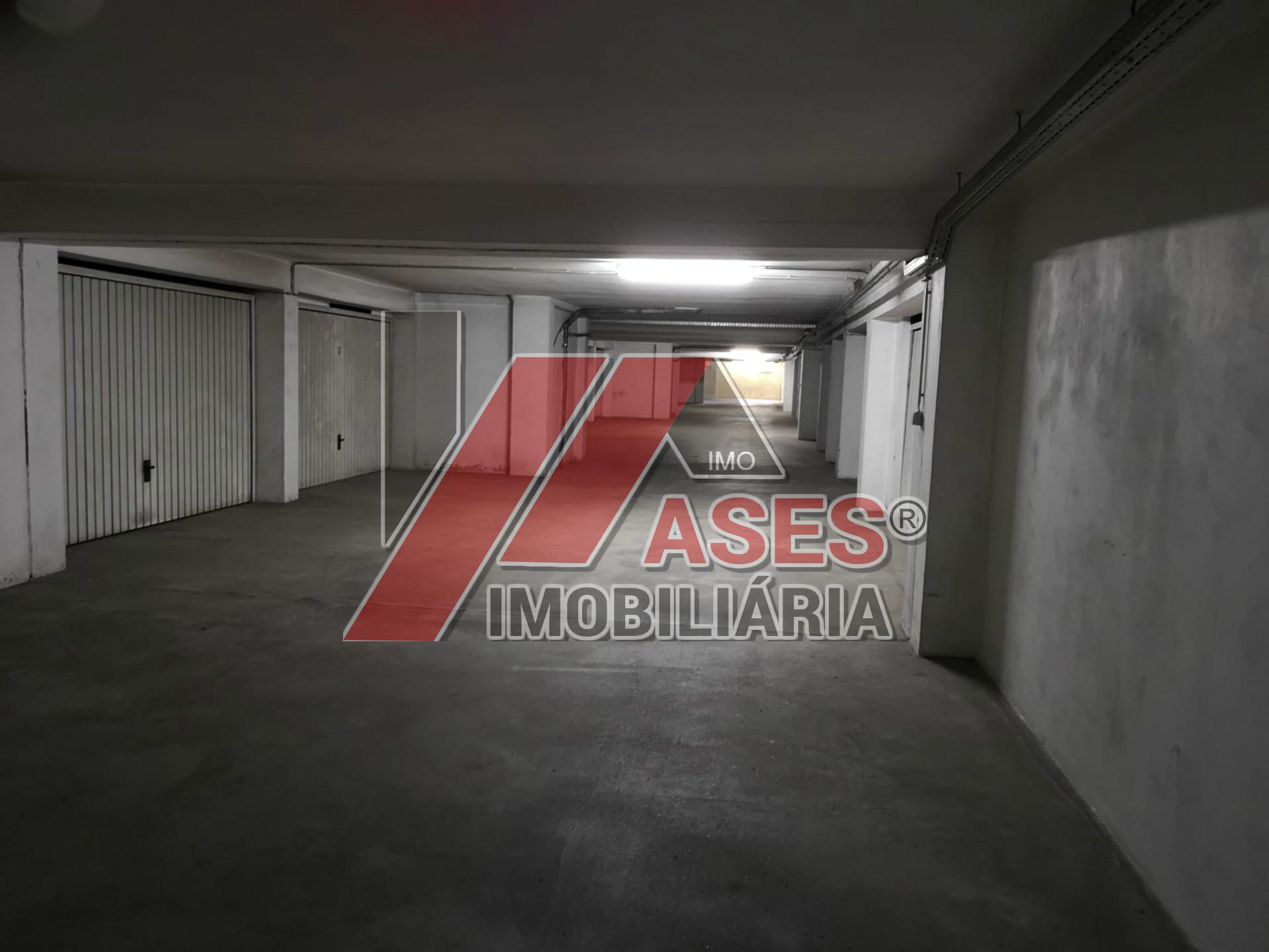 Apartamento T3 com varanda junto ao Hospital de Guimarães