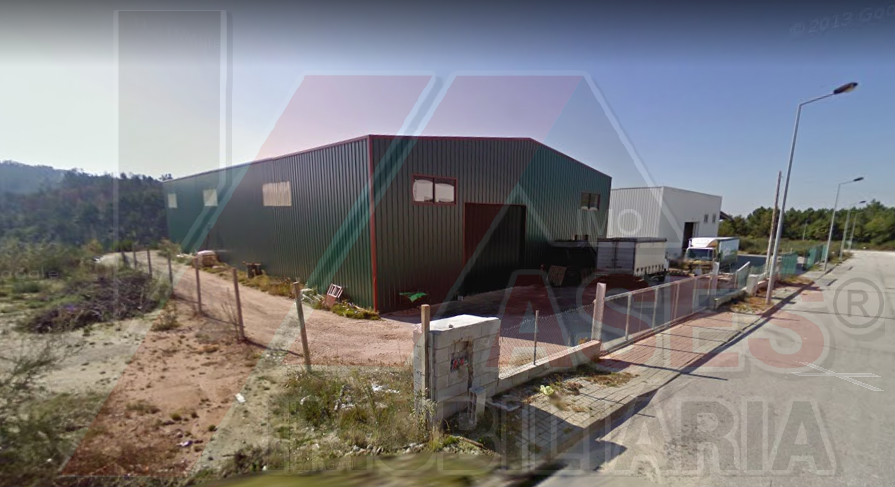 Armazém na Zona Industrial de Celorico de Basto