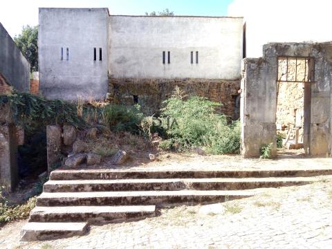 Moradias para Restaurar em Penalva do Castelo