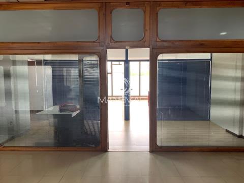 Loja 40m2 em Centro comercial - Maia Centro