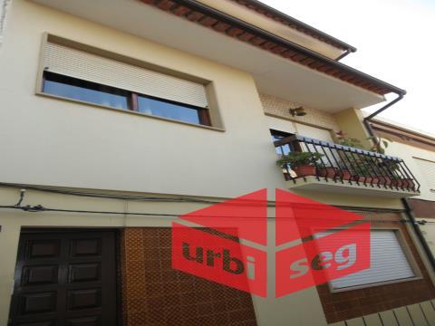 Exclusivo Urbiseg Praia de Buarcos- Moradia 3 pisos