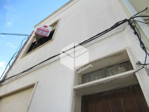 Bairro Novo/ Casino, moradia de 2 pisos