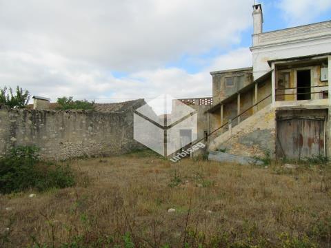 Alqueidão- Moradia (320m2)