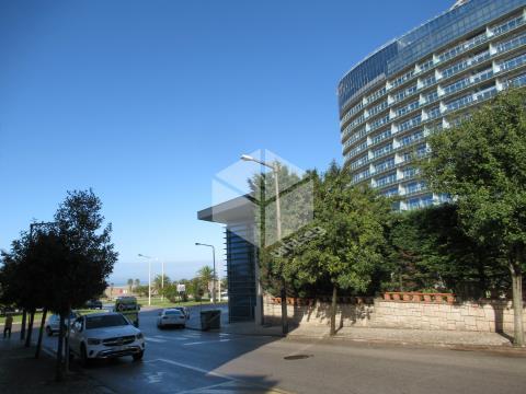 Bairro Novo/ Casino - Casa de 2 pisos.