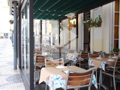 Restaurante/ Bar com 25 anos de história- Casino