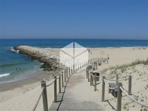 Moradia na Praia da Leirosa