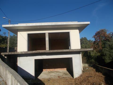 Moaradia Individual/Estrutura Espinho - Braga
