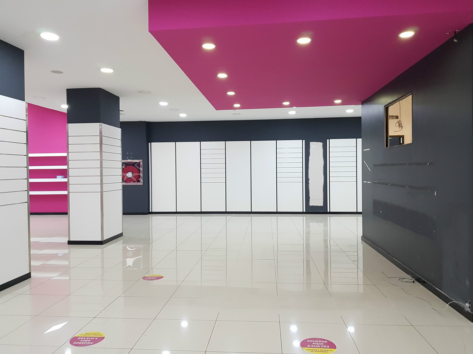 Loja Comercial com 1.627m2 em Braga
